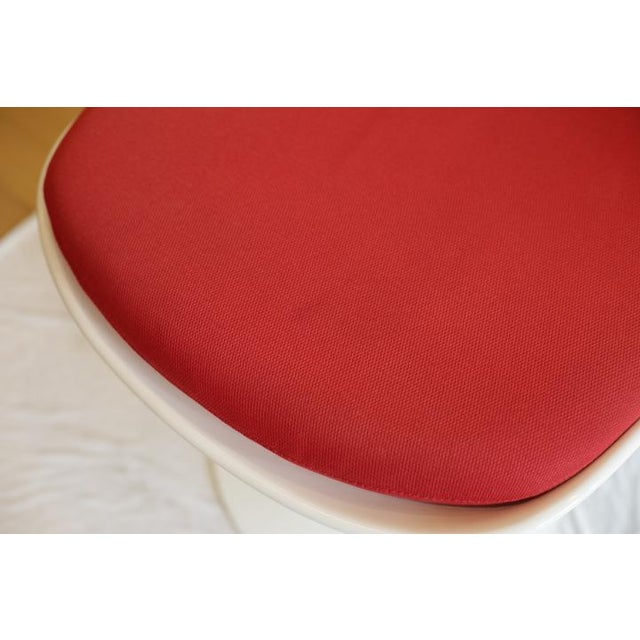 Saarinen Tulip Armless Chair by Knoll - Image 6 of 11