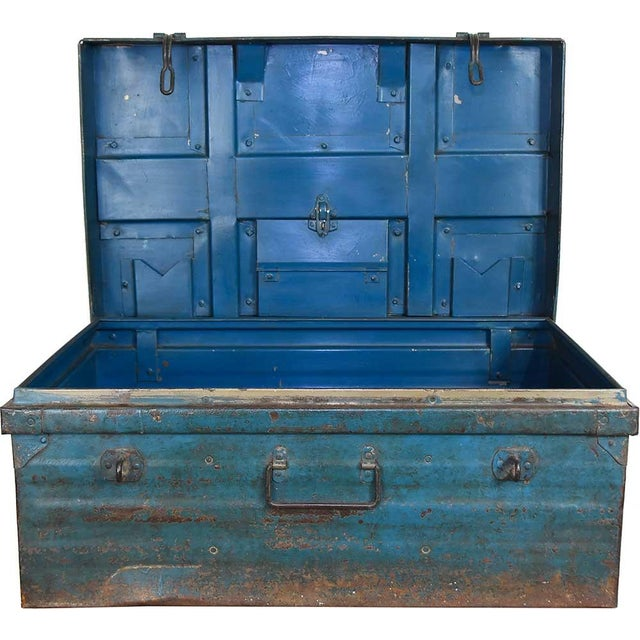 1950s Teal Iron Traveler's Trunk - Image 3 of 5
