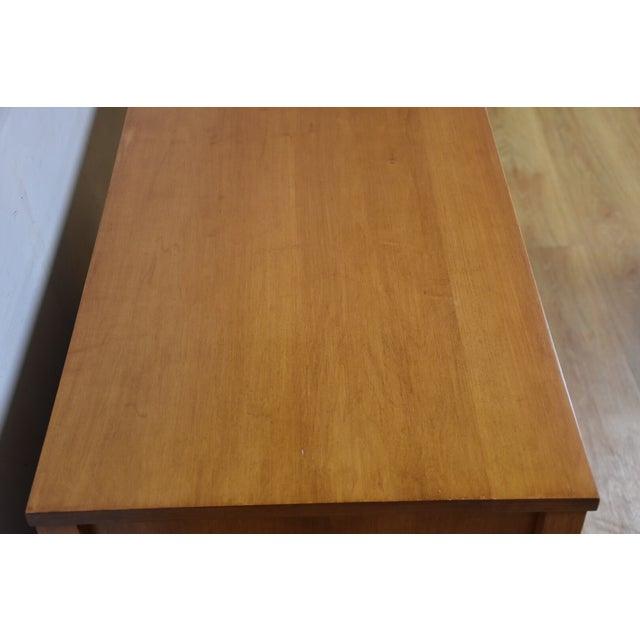 Paul McCobb Planner Group Maple Desk - Image 6 of 10