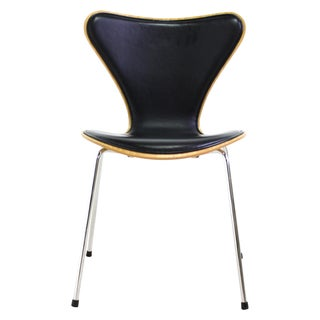 Arne Jacobsen Series 7 Chair Black - 4 Avail.
