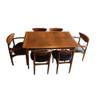 Vintage Lane Acclaim Dining Set