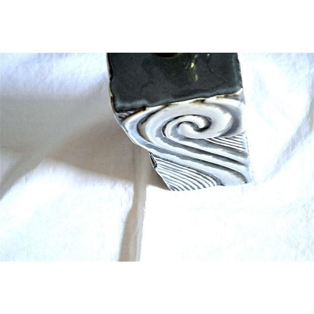 Gray Swirl Mid-Century Table Lamp - Image 4 of 11