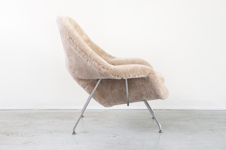 set of eero saarinen womb chairs image 5 of 11