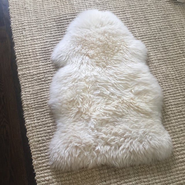 White Ivory Fur Rug - 2' x 3' - Image 2 of 5