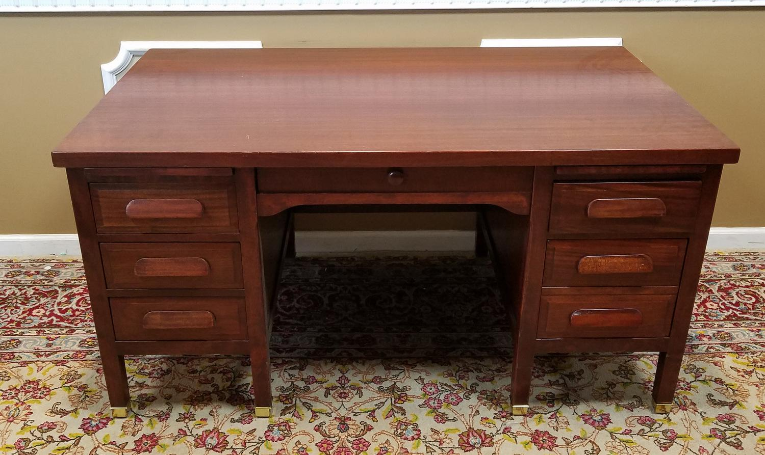 1950s Vintage Mahogany Executive Kneehole Office Desk   Image 3 Of 11