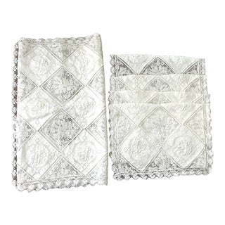French Lace Placemats With 1 Matching Table Runner