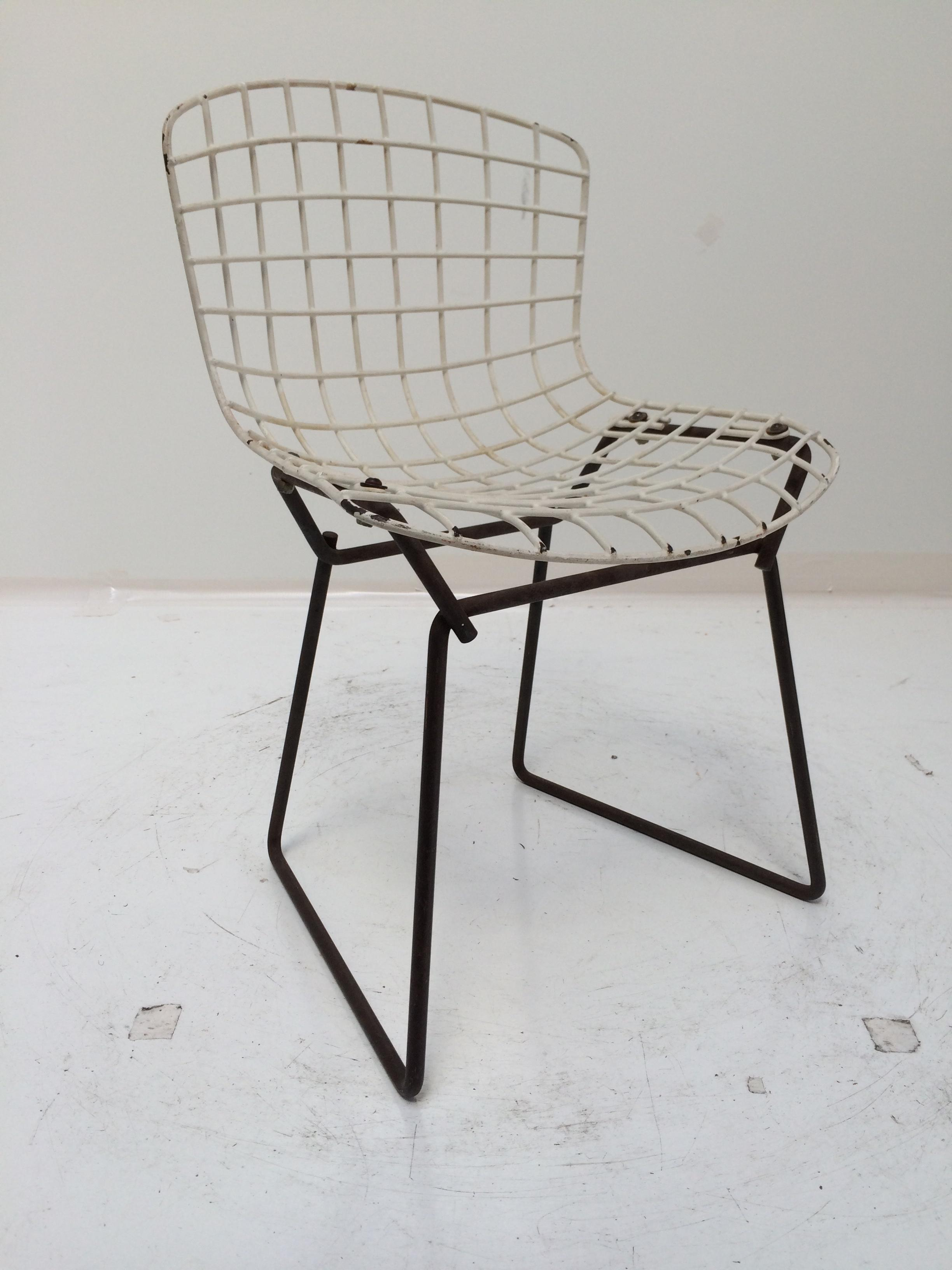 Knoll Bertoia Child Size Chair Black/White   Image 6 Of 11