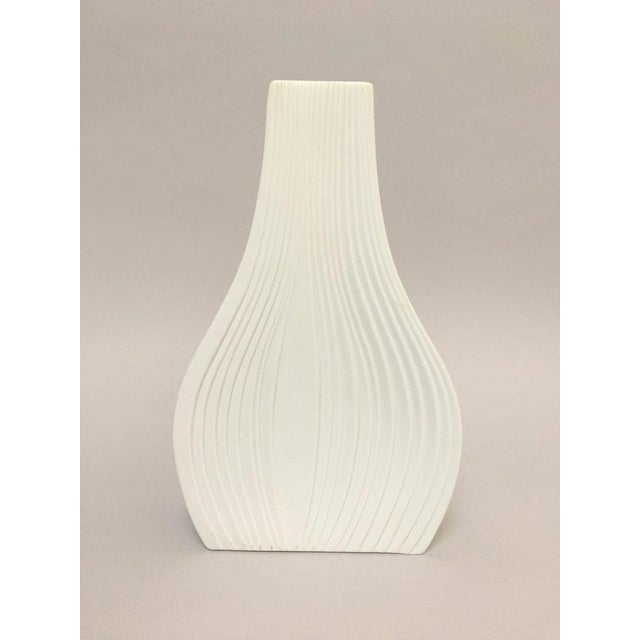 White Modernist Bisque Porcelain Naaman Onion Vase - Image 11 of 11