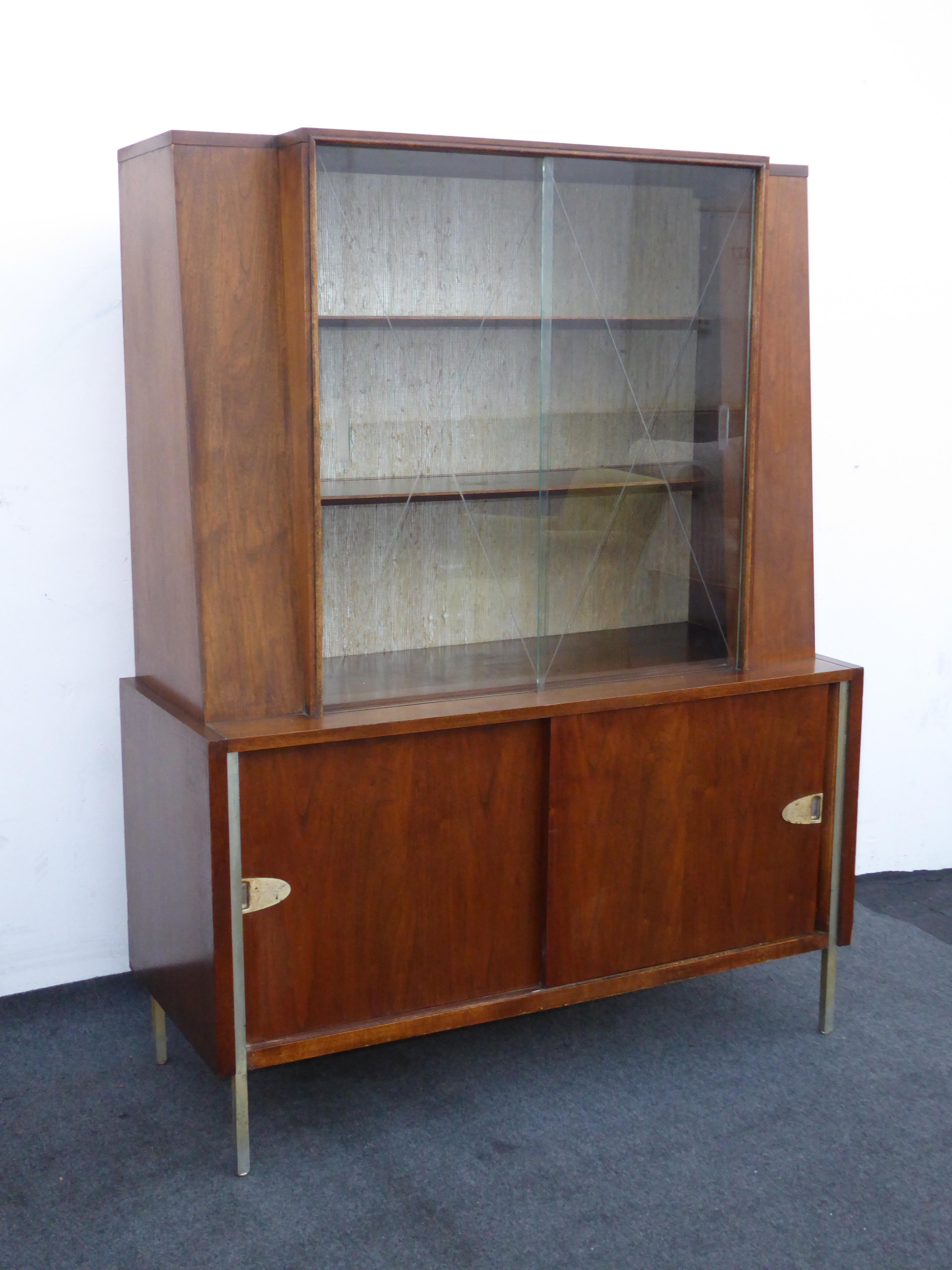 vintage mid century modern hutch display cabinet with etched glass doors by mengel image 5