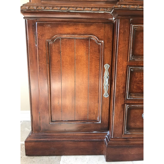 Hickory White Legends China Cabinet - Image 7 of 10