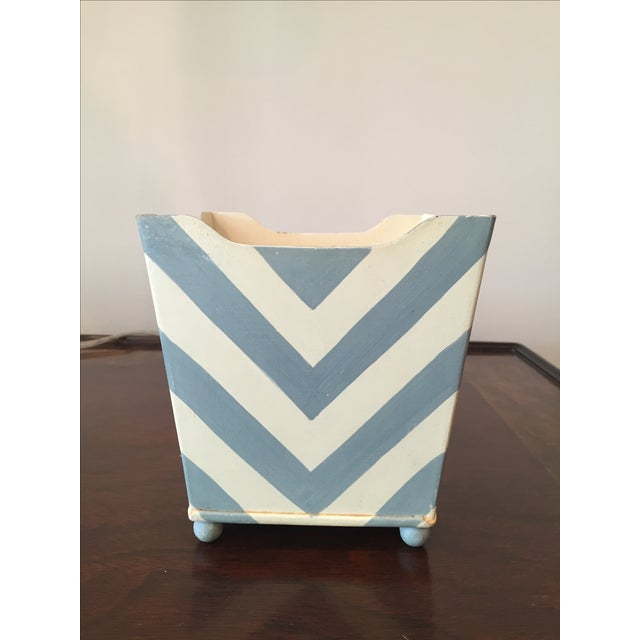White and Blue Chevron Metal Planter - Image 4 of 6