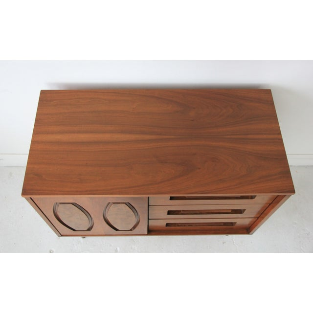 Image of Vintage Mid Century Modern 6 Drawer Dresser