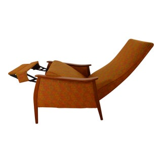 Milo Baughman for James Inc. Mid Century Recliner in Original Fabric