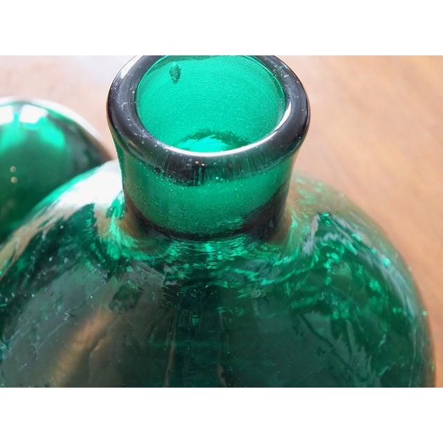 Vintage Blenko Emerald Green Crackle Glass Bottle - Image 5 of 7
