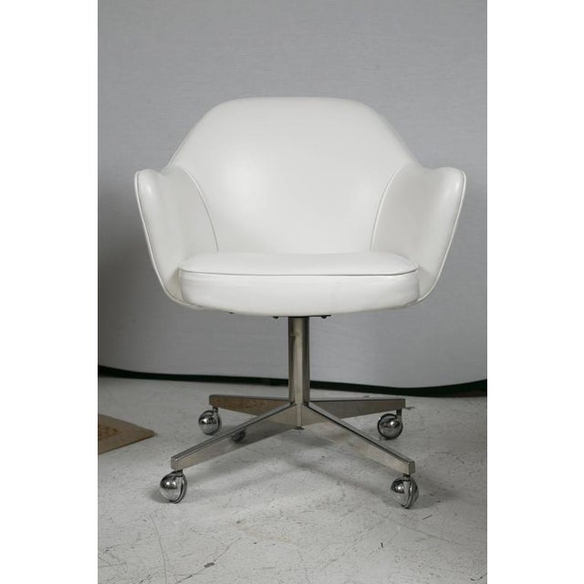 Knoll Desk Chair in White Leather - Image 2 of 7