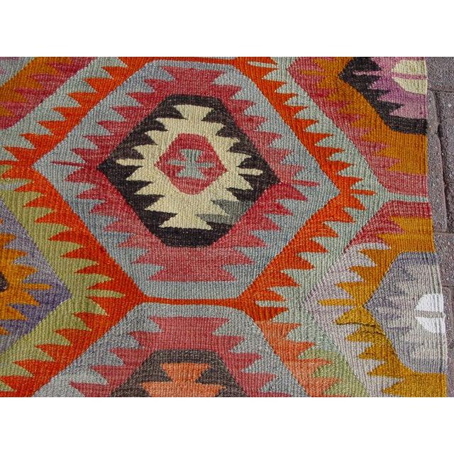 "Vintage Handwoven Turkish Kilim Rug - 5'9"" x 8' - Image 5 of 11"