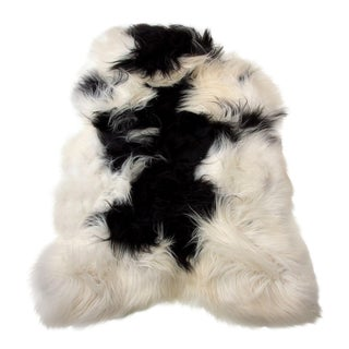 Gambrell Renard Sheepskin White & Black Throw