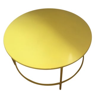 Slim, Round Cocktail Table