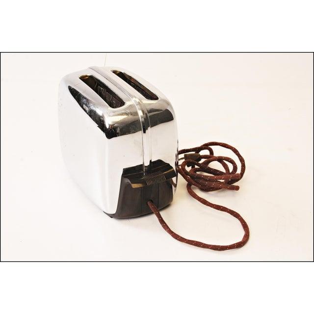 Vintage Chrome Toastmaster Toaster with Bakelite Handles - Image 7 of 10