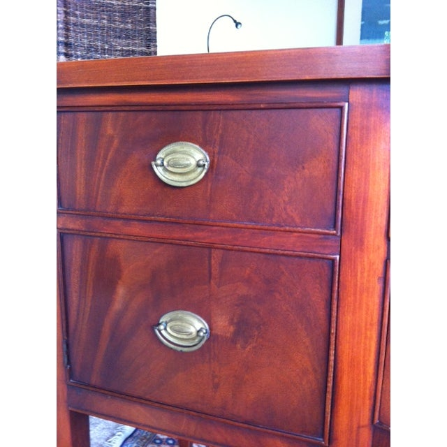 Image of Federal Style Flame Mahogany Sideboard - Vintage