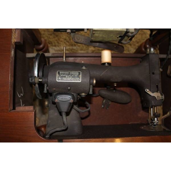 Antique Sewing Machine Cabinet From 1926 - Image 7 of 8