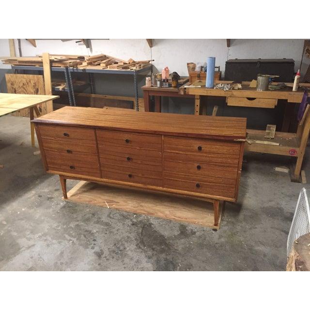 Mid-Century Mahogany Lane Dresser - Image 2 of 8