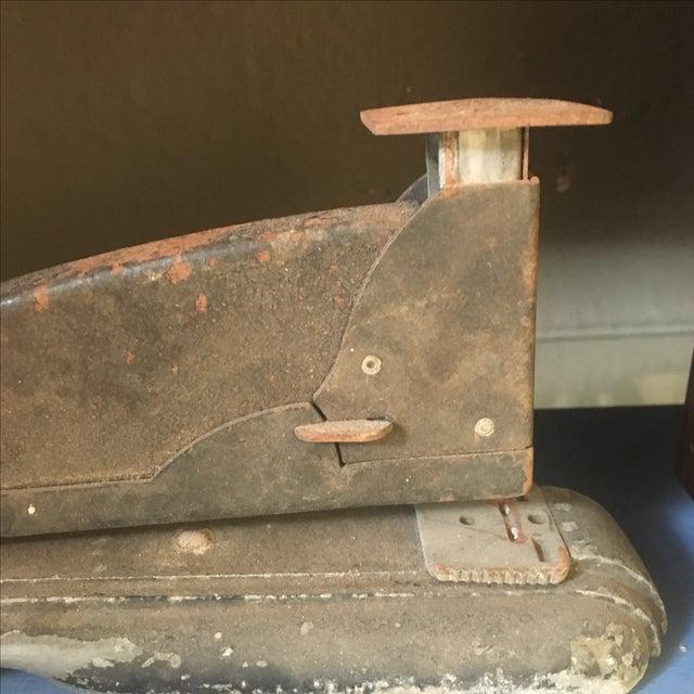 Vintage Industrial Rusty Stapler - Image 3 of 7