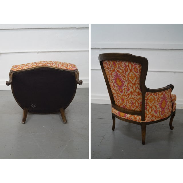 French Louis XV Vintage Red Bergere Chairs - Pair - Image 5 of 10