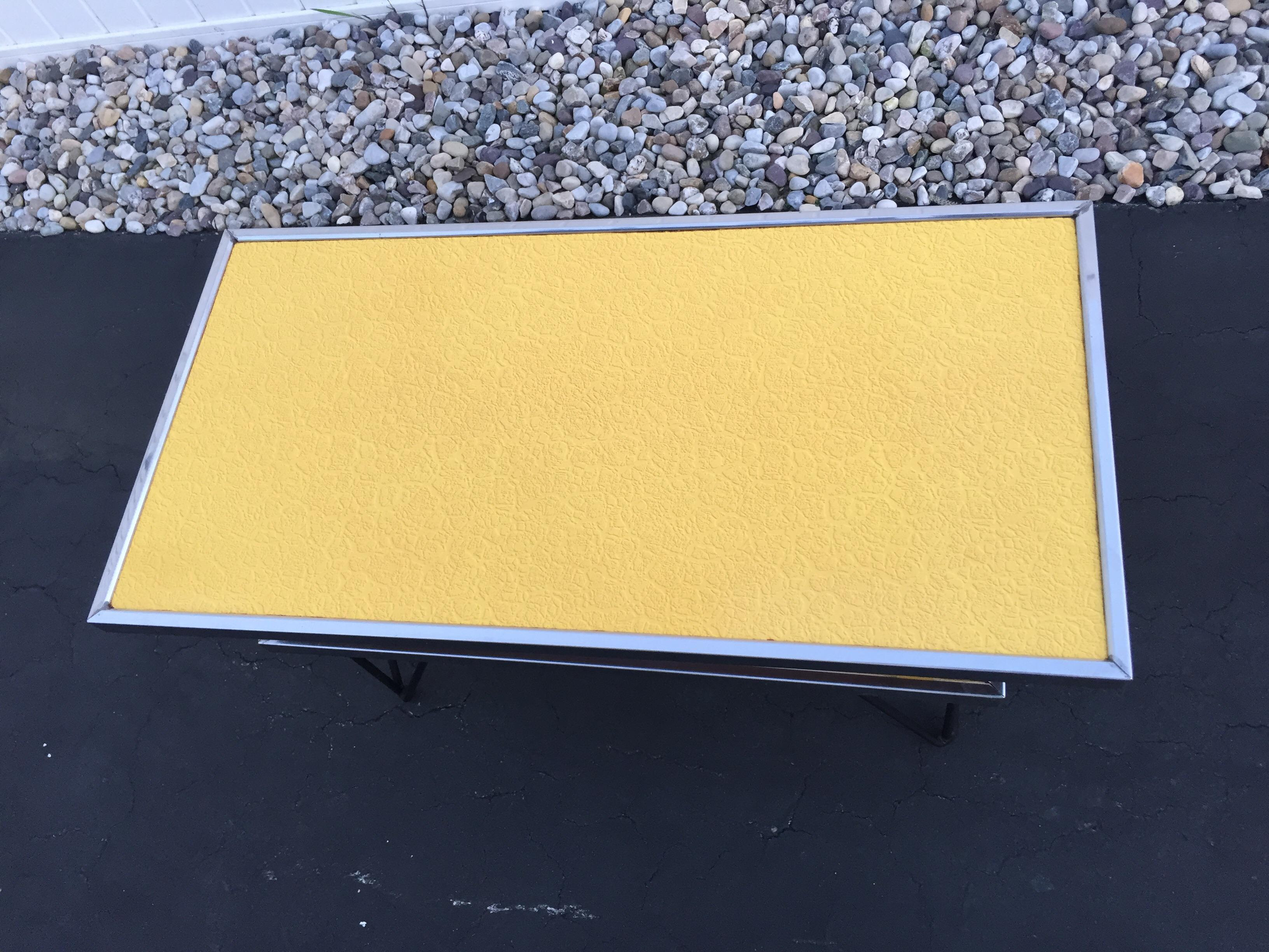 Mid Century Formica Yellow Hairpin Table   Image 4 Of 10