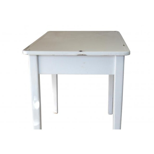 FDL Manufacturing Co Cottage Enamel Top Side Table - Image 2 of 6