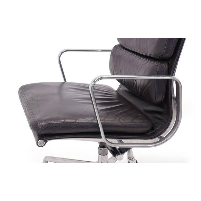Eames for Herman Miller Leather Soft Pad Aluminum Group Armchairs buy any number - Image 8 of 10