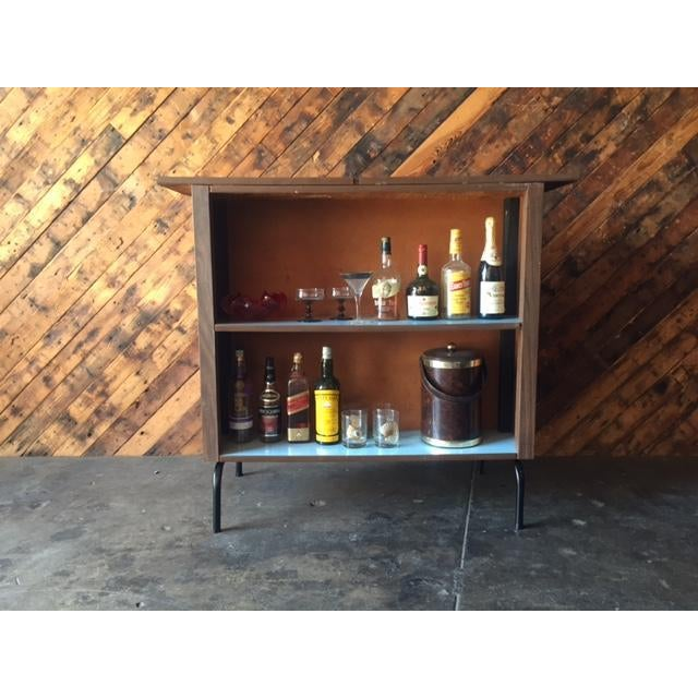 Mid Century Free Standing Bar with 2 Vinyl Stools - Image 5 of 11