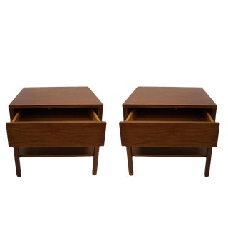 Pair of Florence Knoll Single-Drawer Walnut Bedside / Nightstands or End Tables