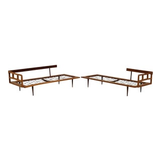 Vintage Mid Century Modern Danish Style 2 Piece Sectional Sofa Daybed Walnut Chaise