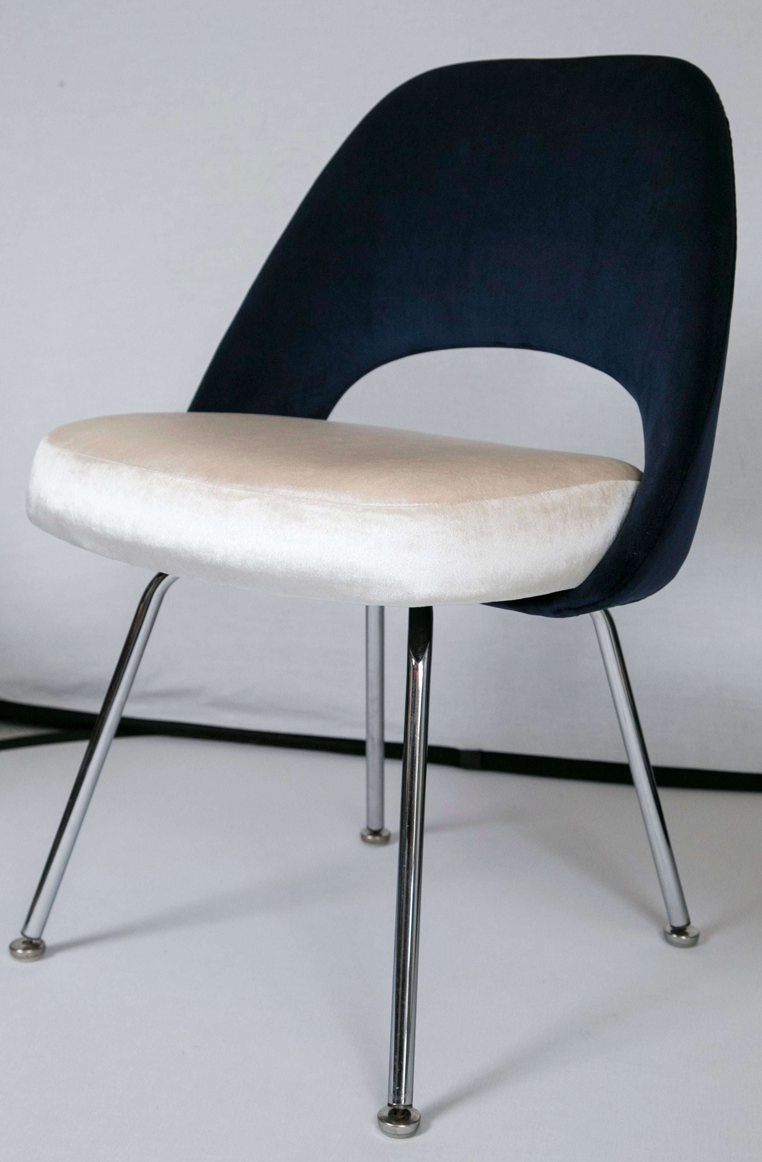Saarinen Executive Armless Chairs Set of 6 Chairish : saarinen executive armless chairs set of 6 6222aspectfitampwidth640ampheight640 from www.chairish.com size 640 x 640 jpeg 24kB