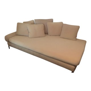 Swan Italia Chaise Lounge