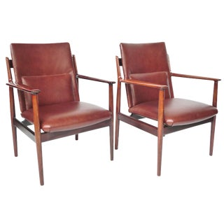 Mid-Century Rosewood Armchairs by Arne Vodder - A Pair