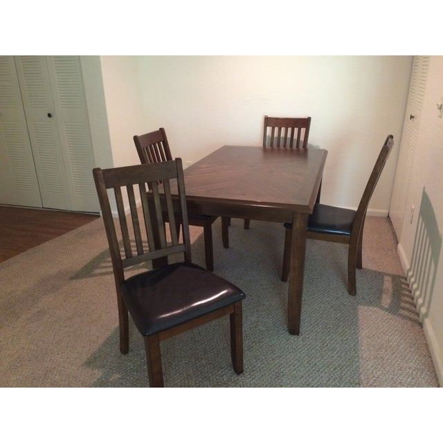 Image of Badcock &more Dining Set