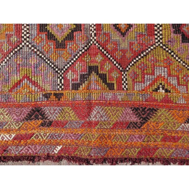 """Vintage Embroidered Turkish Kilim - 5'7"""" x 9'6"""" - Image 8 of 8"""
