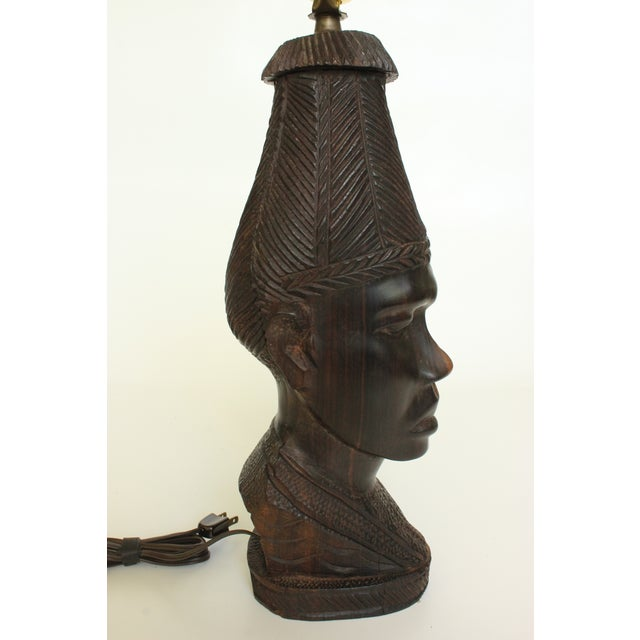 African Bust Table Lamp with Cheetah Stone Finial - Image 4 of 8