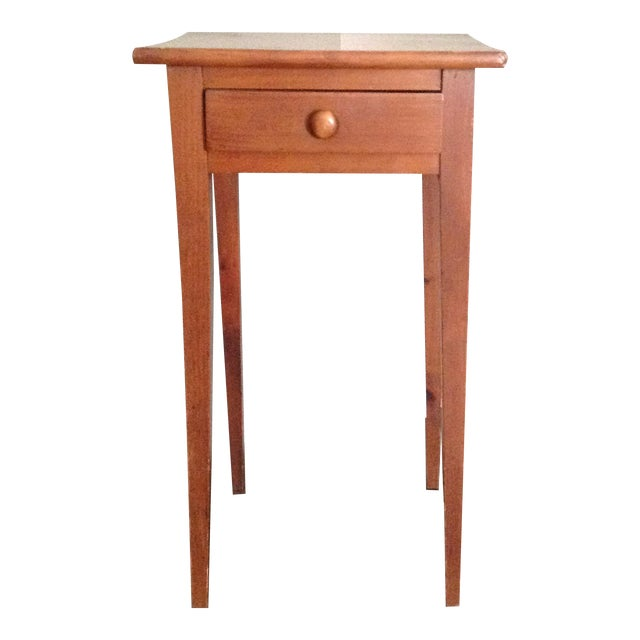 Handcrafted Pennsylvania Shaker Style Accent Table - Image 1 of 5