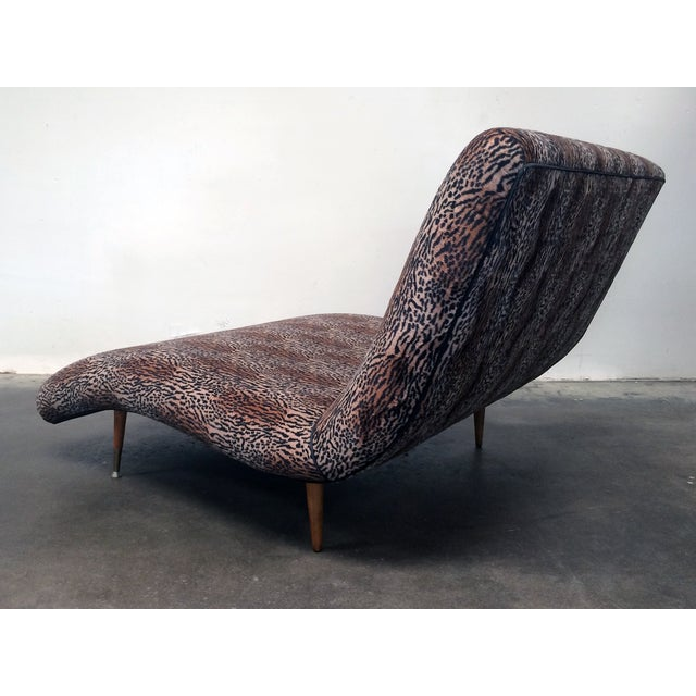 Modern wave chaise longue chairish for Chaise longue wave