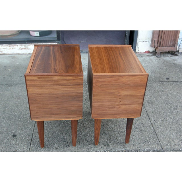 Mid-Century American Walnut Nightstands - A Pair - Image 9 of 10