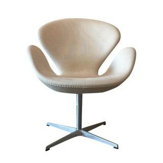 Fritz Hansen Swan Chair by Arne Jacobsen