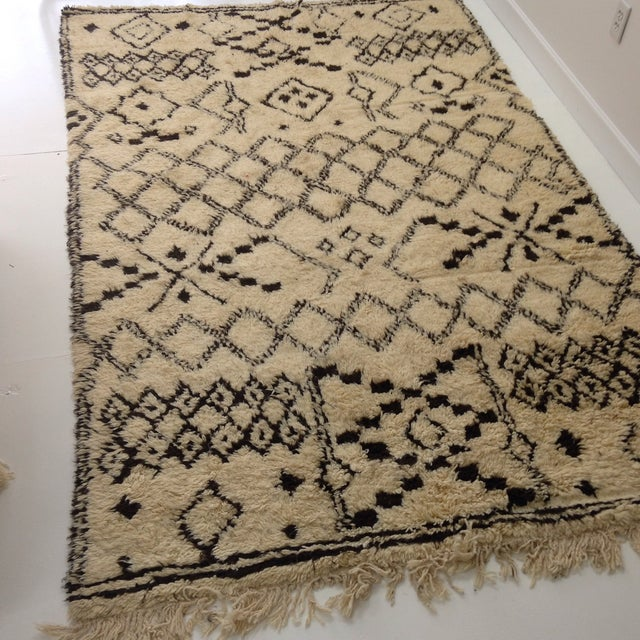 Authentic Moroccan Beni Ourain Rug - 5′5″ × 8′9″ - Image 4 of 6