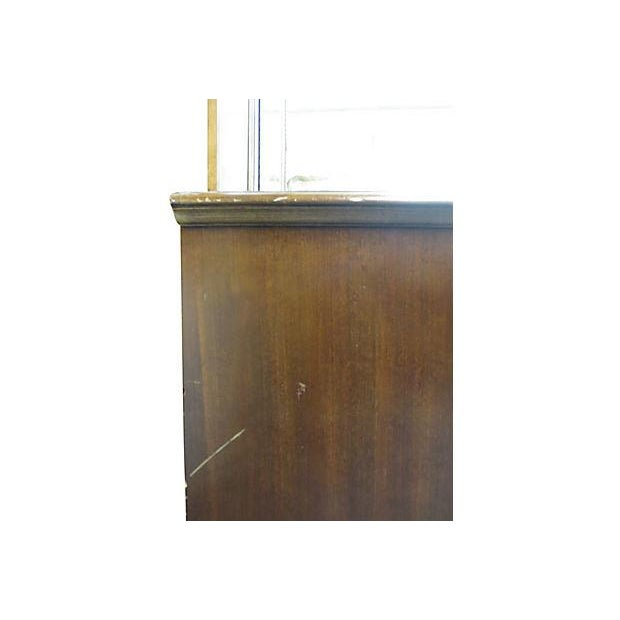 Image of Dresser With Tri Fold Mirror