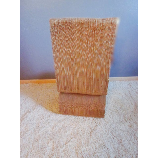 Gehry Inspired Cardboard Wiggle Chair - Image 8 of 10