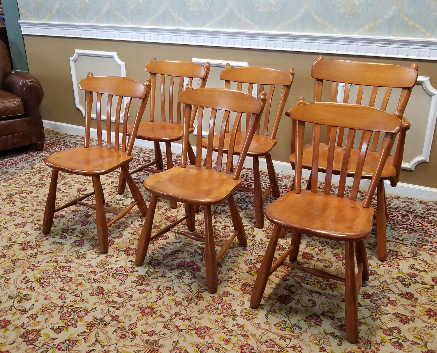 1950s Vintage Winchendon Furniture Solid Rock Maple Old Meeting House  Country Dining Chairs   Set Of