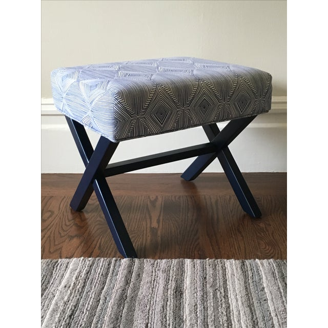 Navy & White X-Leg Bench - Image 4 of 5