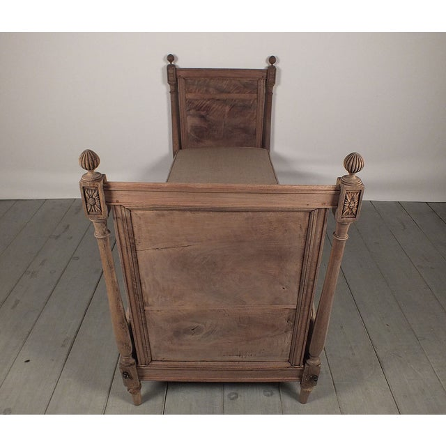 French 19th Century Louis XVI Daybed - Image 3 of 10